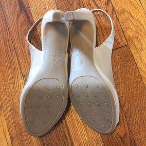Life Stride Shoes - Nude sling back heels sz 8.5